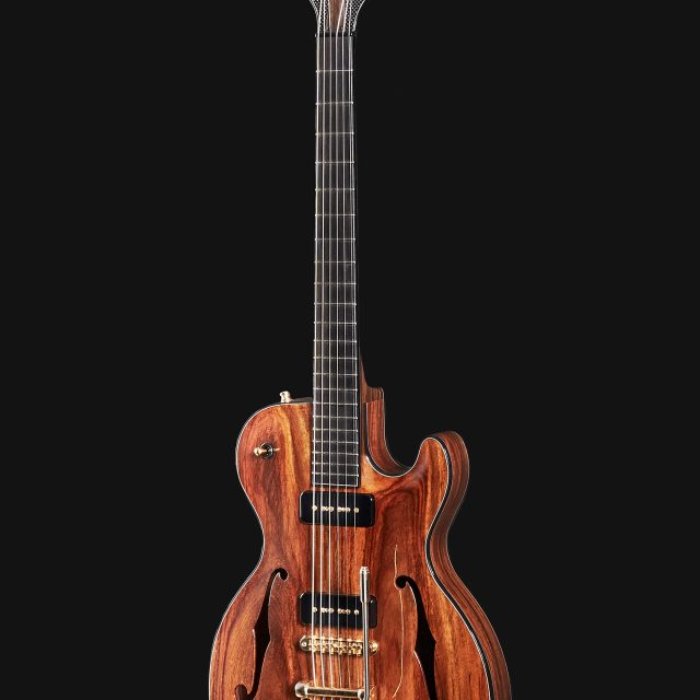 Electrique-Archtop-Voodoo-Face-Demers